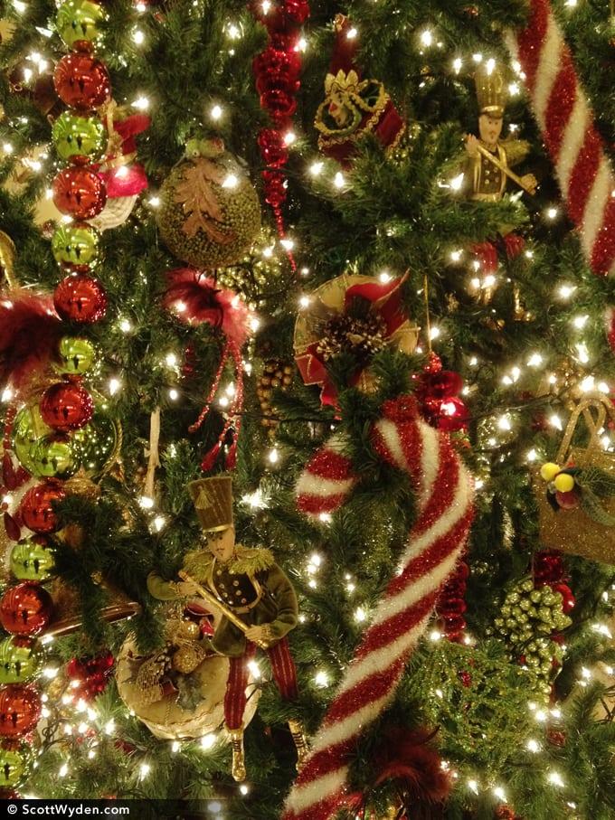 Happy Holidays 51/52