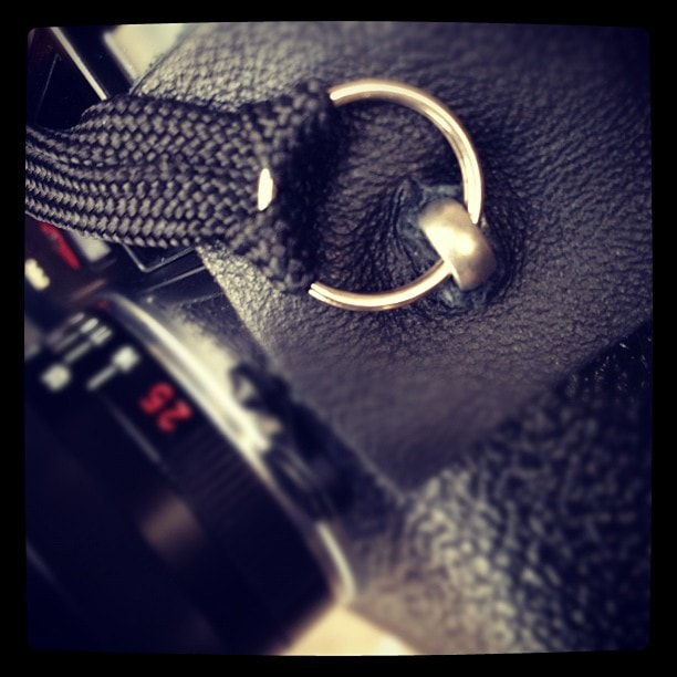 leica-m9-customslr-strap